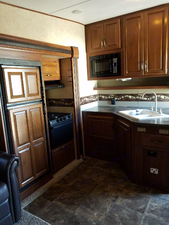 Kitchen area. Keystone Cougar Xlite 2014