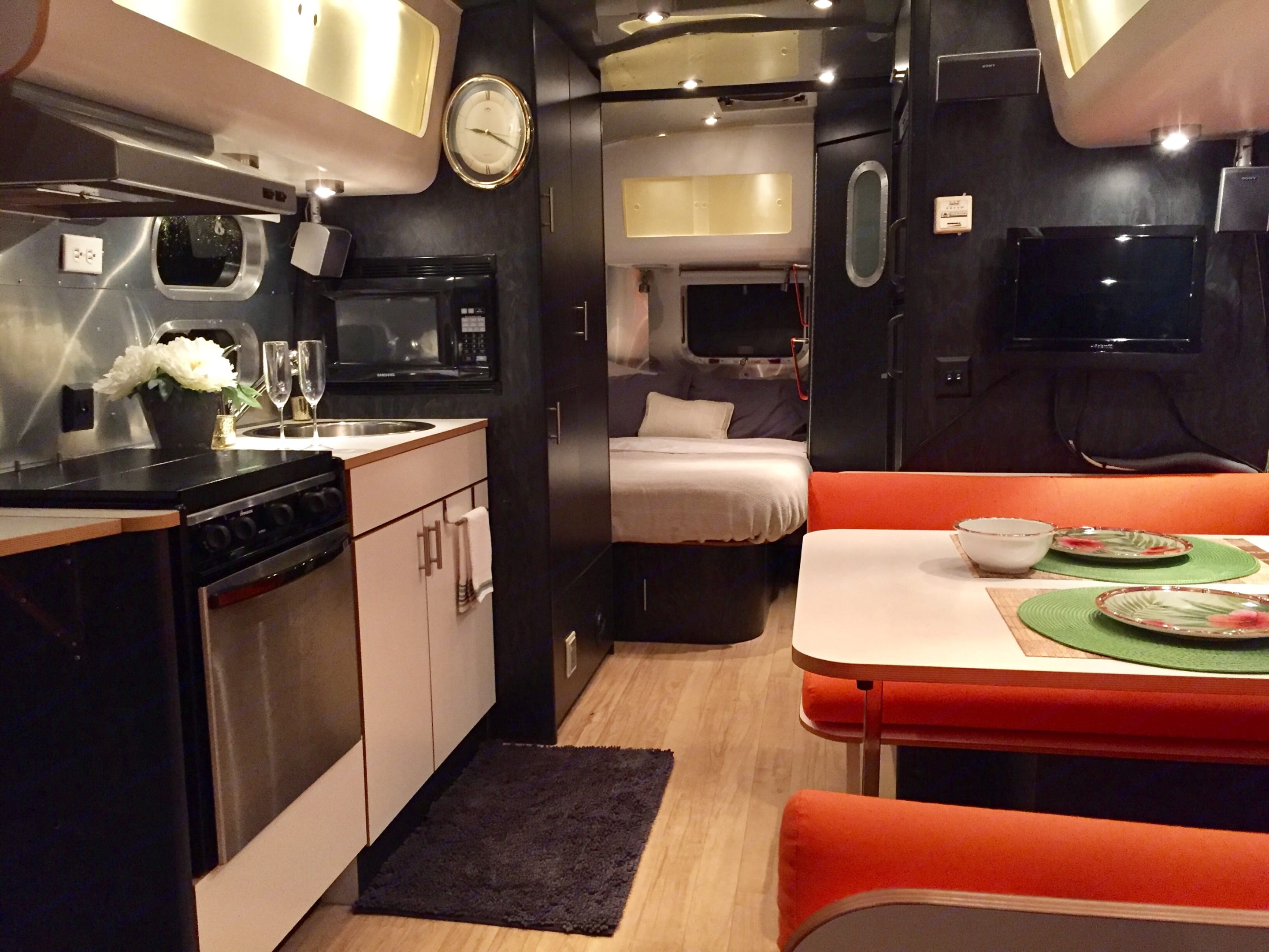 The atmosphere in the evening is delightful.. Airstream International 2005