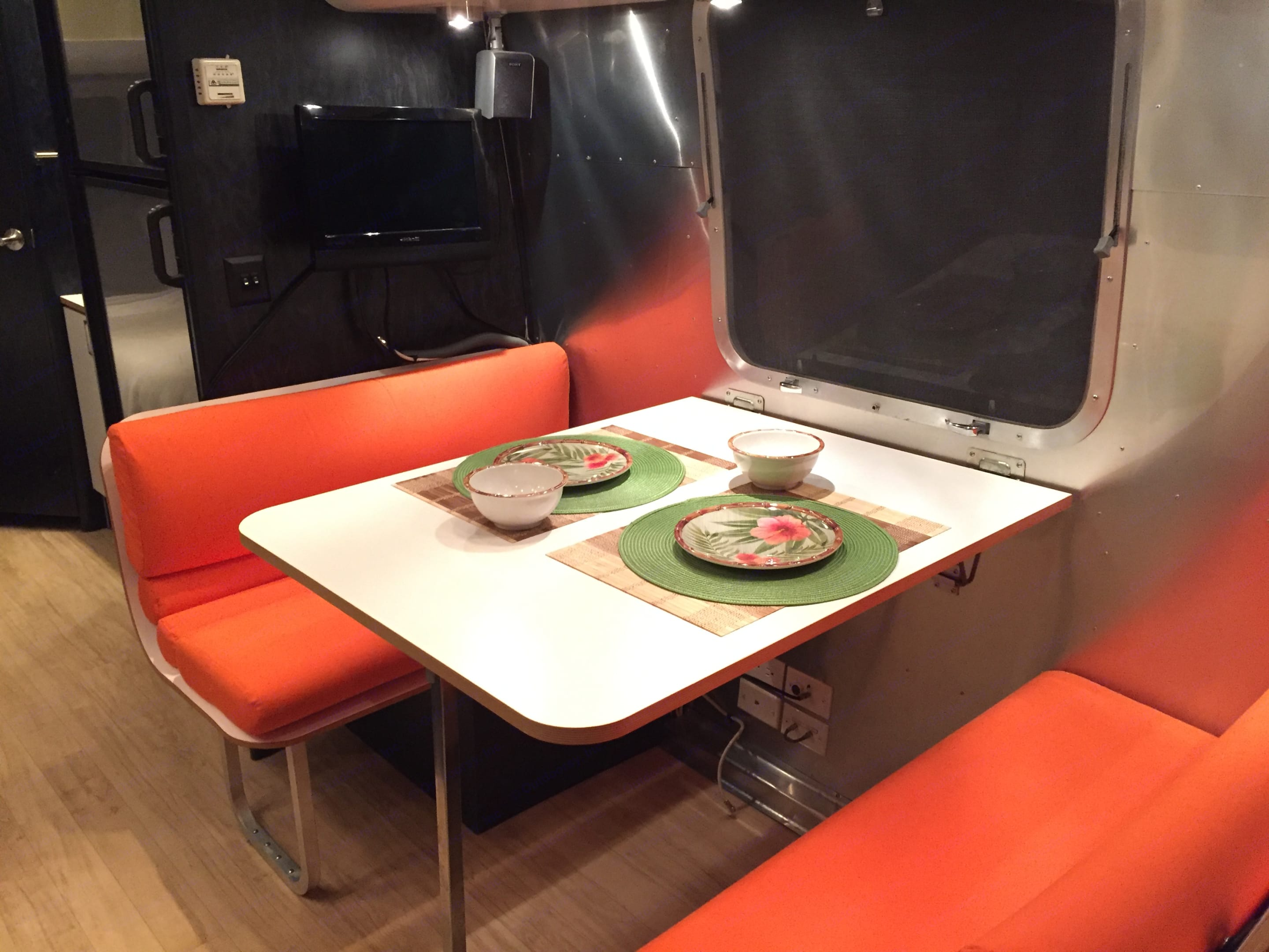 What's for dinner?. Airstream International 2005