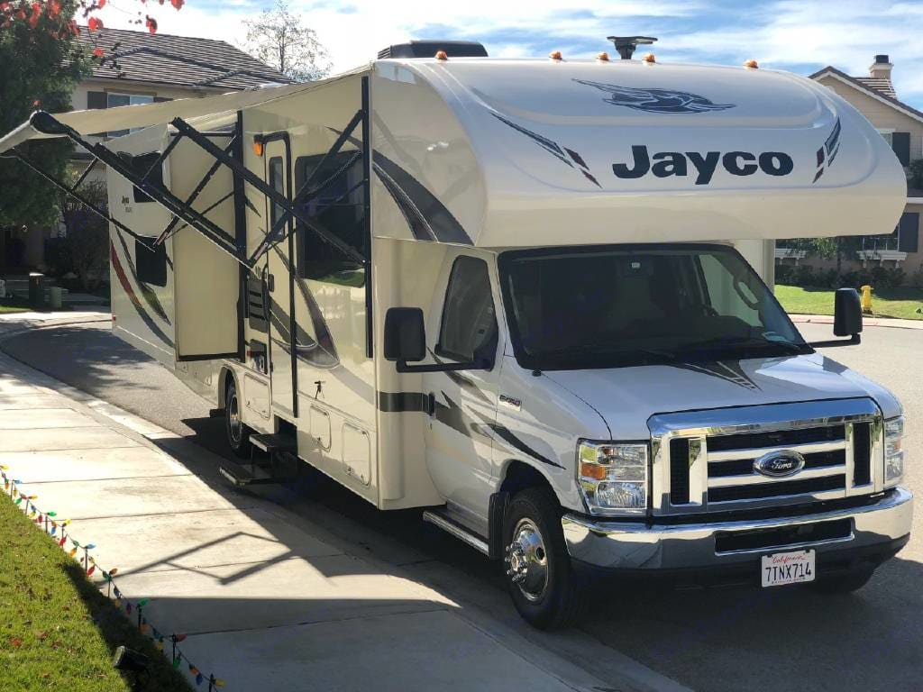 31 for XL. Two slide outs, awning. Jayco Redhawk 2017