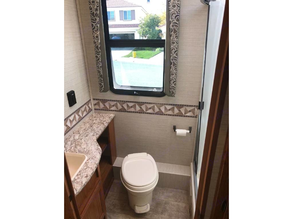 Beautiful bathroom with large shower. . Jayco Redhawk 2017