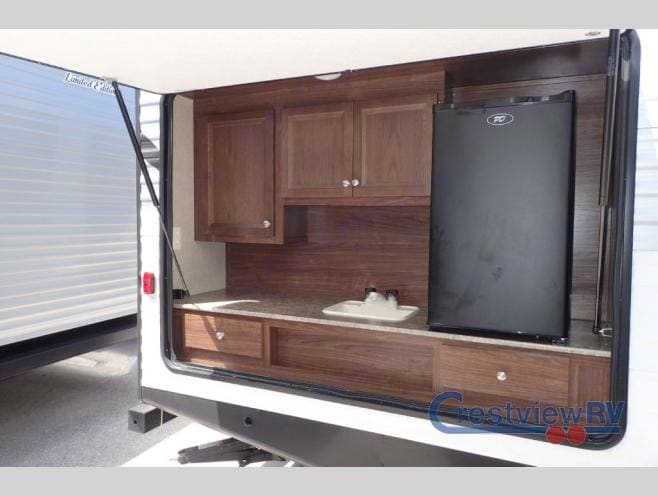 Outdoor Kitchen with 120v fridge/freezer and sink.. Coleman Other 2014