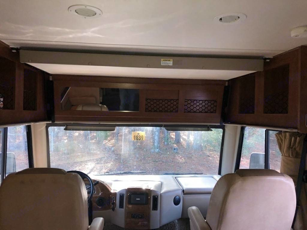 electric fold down bed. Thor Motor Coach A.C.E 2014