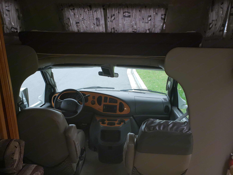 Front Cab. Jayco Greyhawk 2005