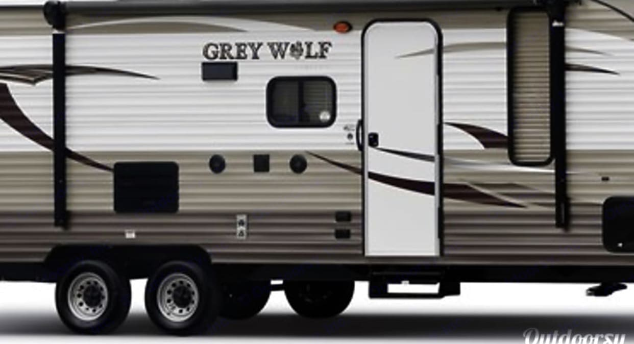 Forest River Cherokee Grey Wolf 2015