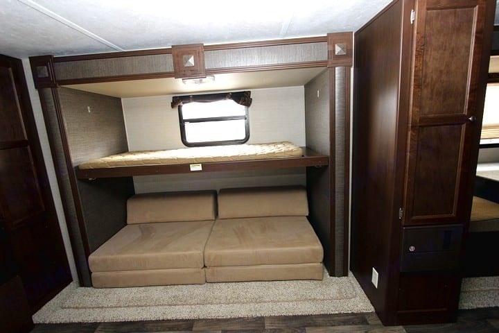 Bunk and bed/futon in the teen suite.. Keystone Bullet 2016