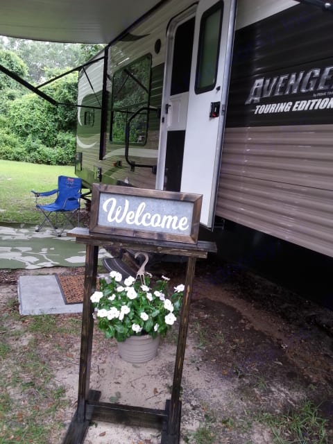 We welcome you! Very peaceful location. Prime Time Avenger 2015
