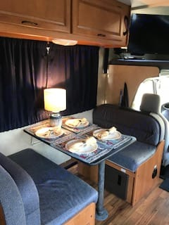 Dinette has room for 4.. Thor Motor Coach Four Winds Majestic 2013