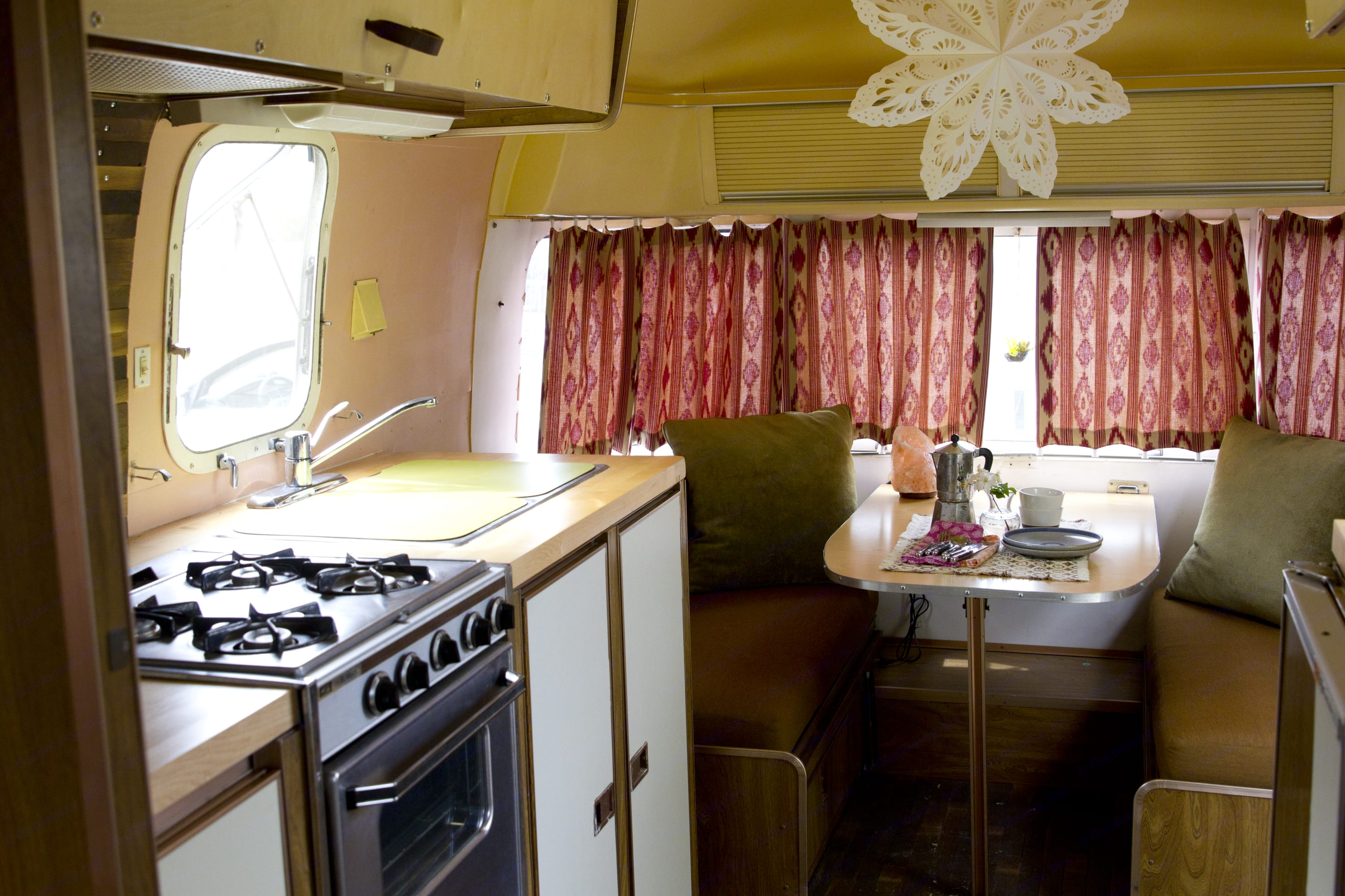 Kitchen and dining area. Airstream Argosy 1978