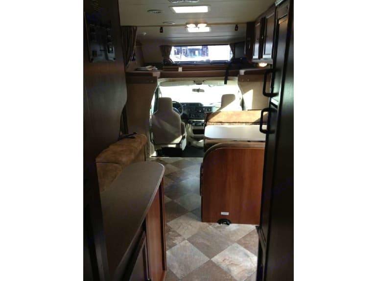 Coachmen 2015 leprechaun 28 foot motorhome with Slide-out sleeps 8 2015