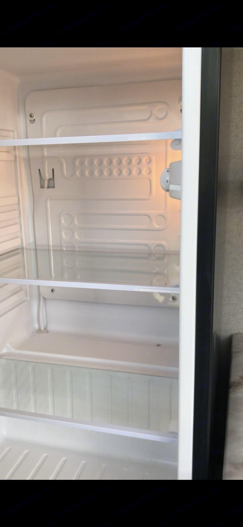 Outdoor fridge. Coachmen Freedom Express 2018