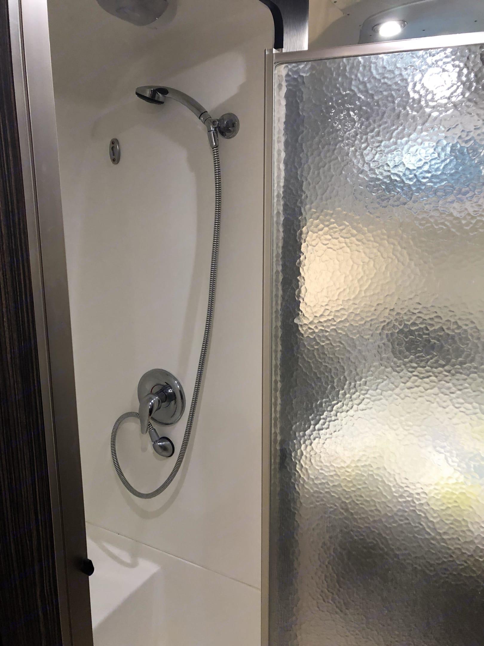 Shower. Airstream International 2014