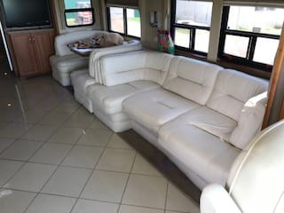 This couch makes out into a queen bed.. Newmar Mountain Aire 2007