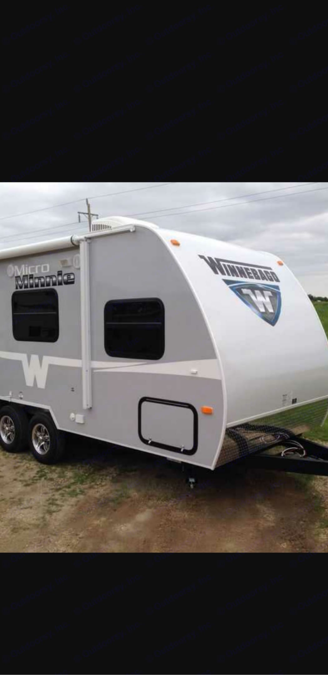 Ultra-Light Trailer that can be towed with 6-cylinder motor.. Winnebago Micro Minnie 2015