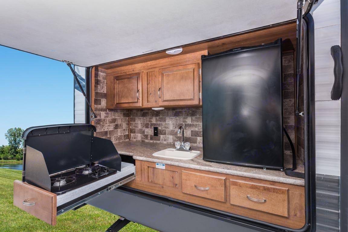 Exterior Kitchen . Gulf Stream Kingsport 2016