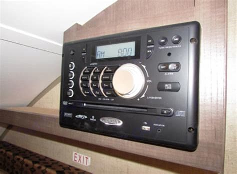 Jensen radio/CD player w indoor and outdoor speakers. Forest River R-Pod 2015