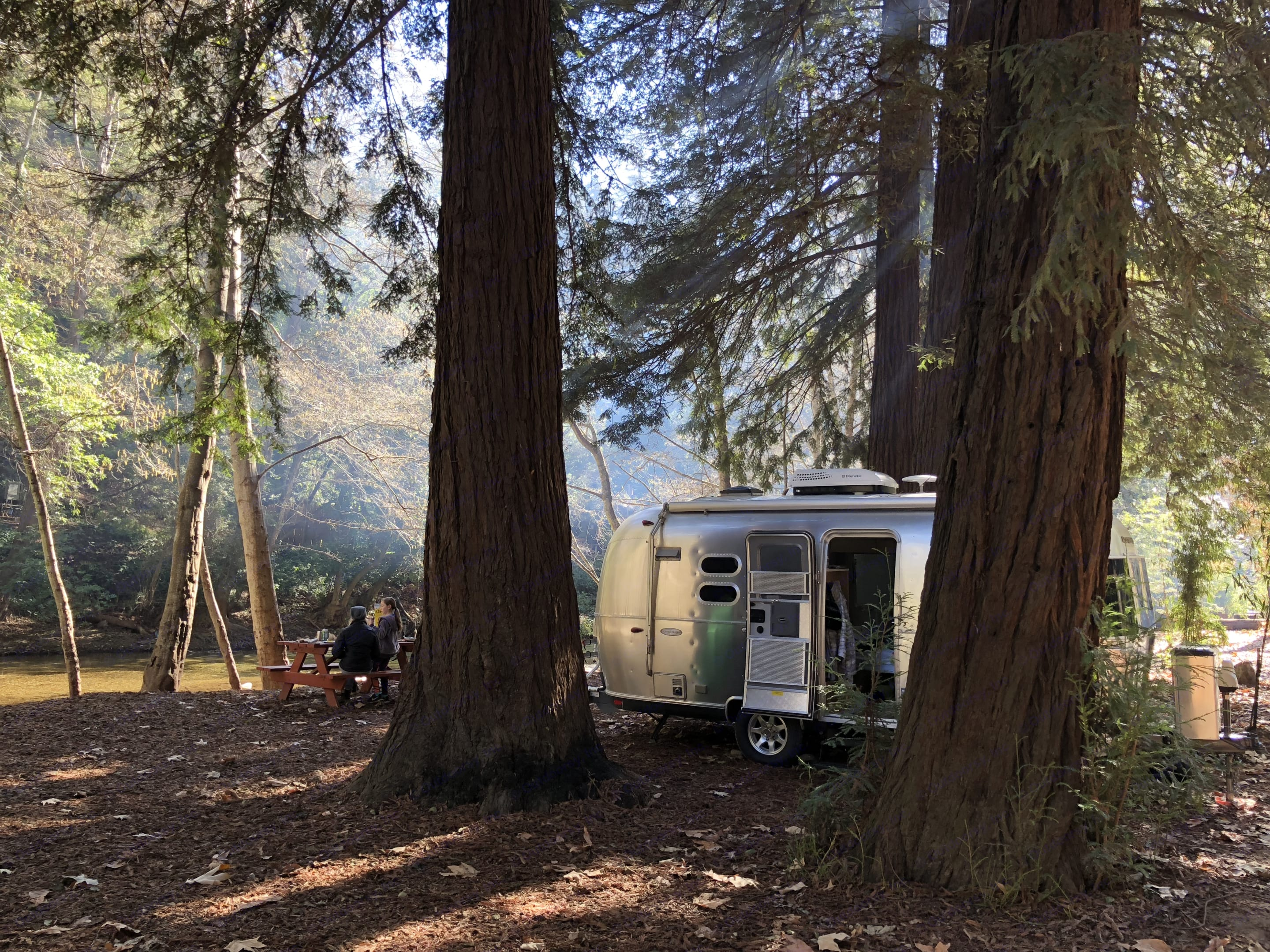 Perfect agile set-up to experience idyllic dry camping like this shot at one of our favorite site in Big Sur. Airstream Flying Cloud 2016