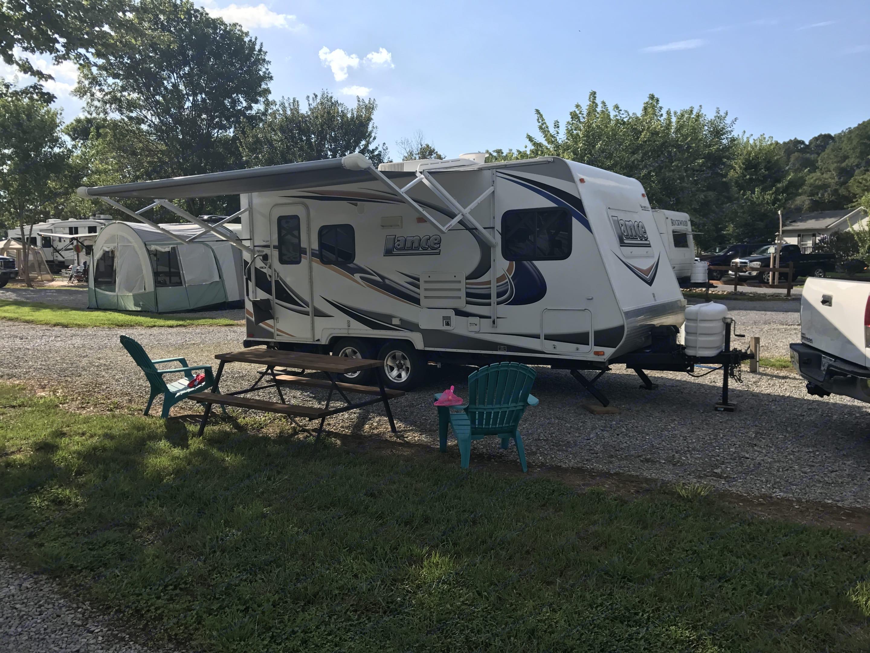 Fun awesome camper. Lance 1685 2011