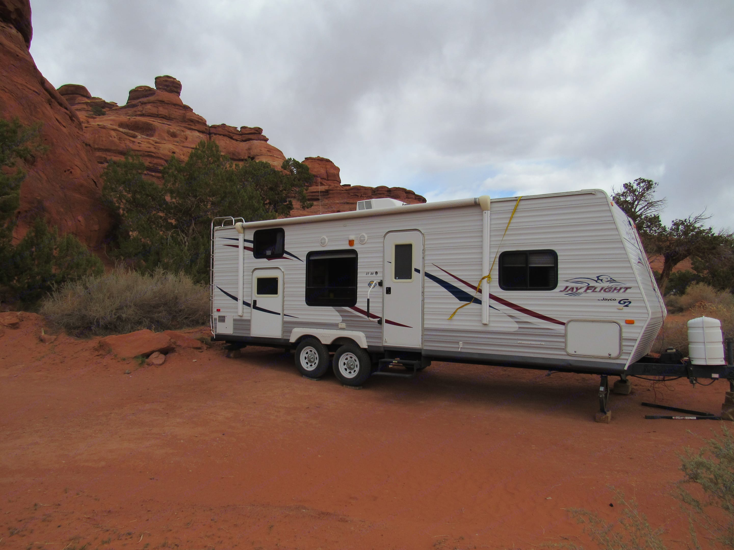 You are not limited to an RV park with our camper because it has solar power to charge the batteries, or you can rent the generator to have use of all electric appliances.. Jayco Jay Flight 2009