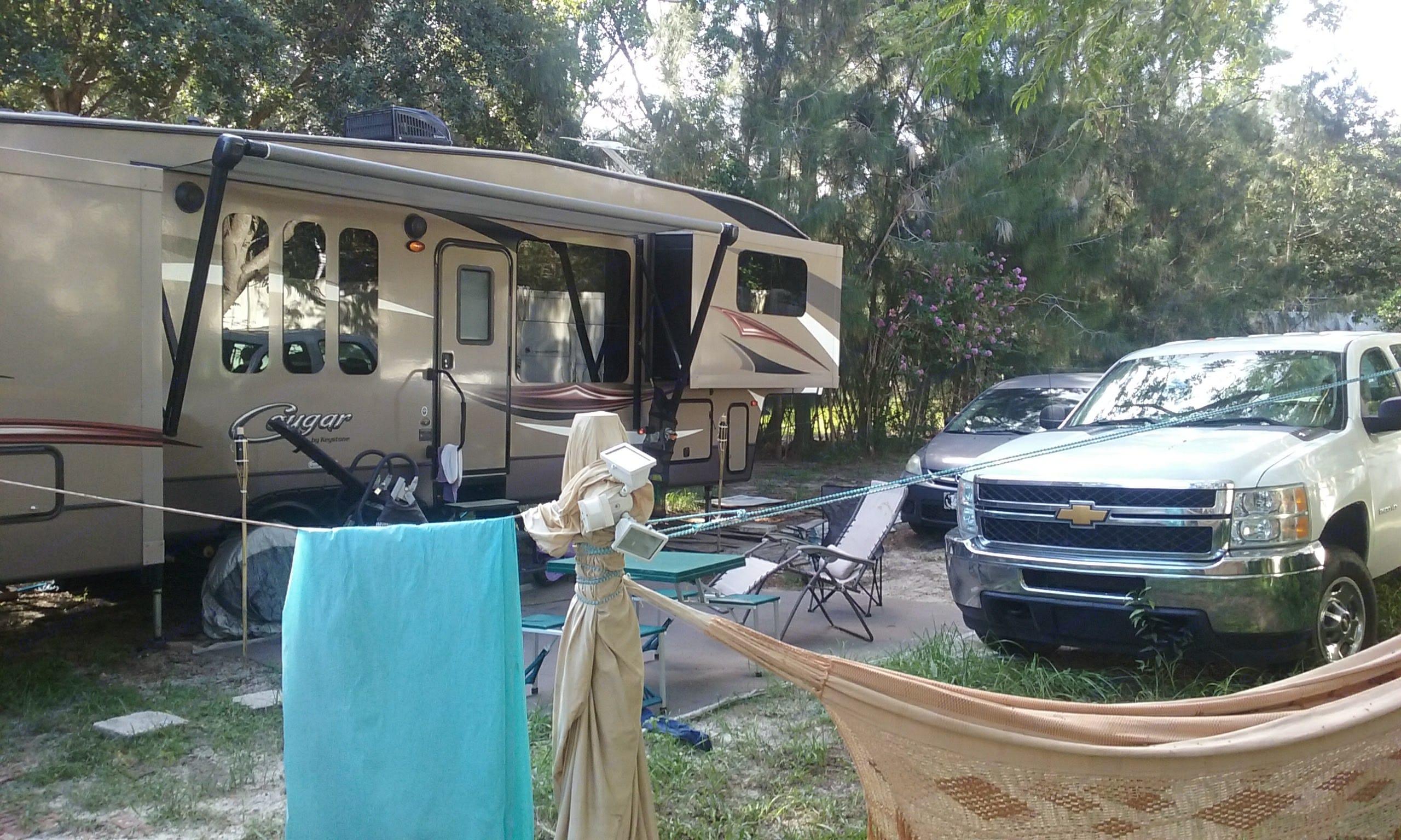 SET UP FOR CAMPING. Keystone Cougar 2015