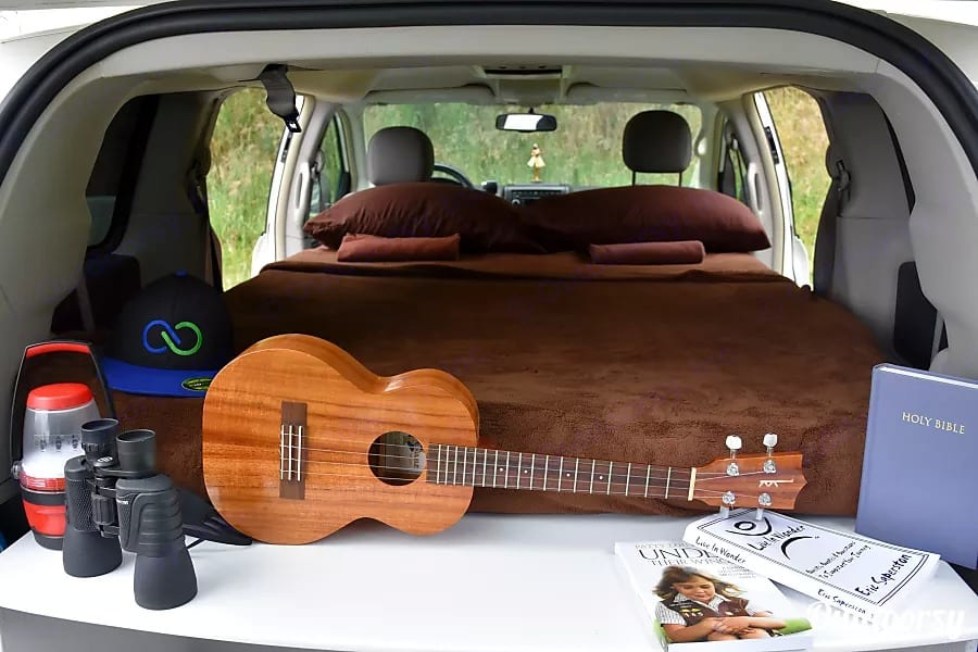 We have extras you can rent for a small fee. Uke, binoculars, etc. . Dodge Grand Caravan 2015