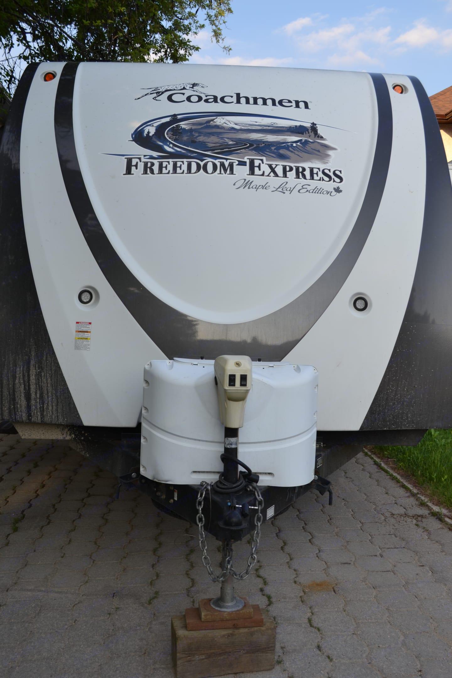 propane tanks & power jack. Coachmen Freedom Express 2013