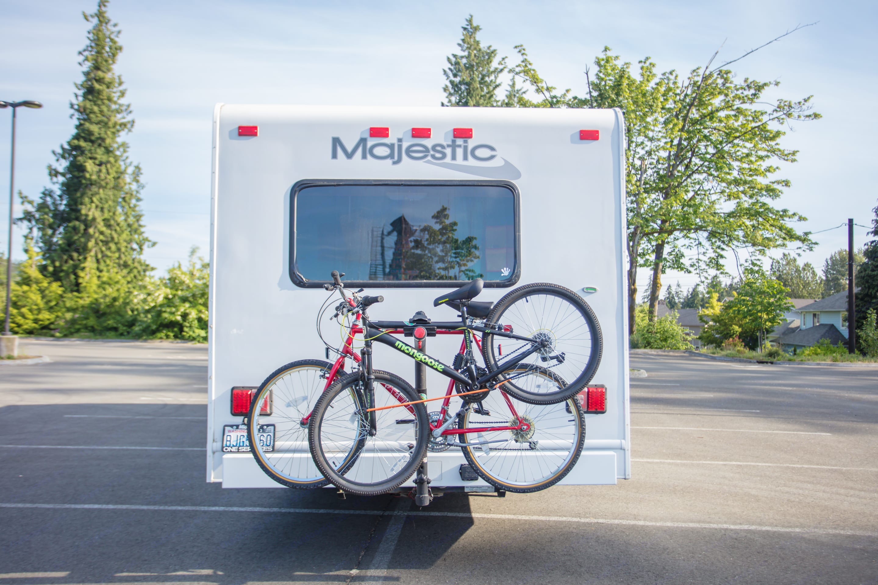 Back view - bike rack and bikes not included. Thor Motor Coach Four Winds Majestic 2007