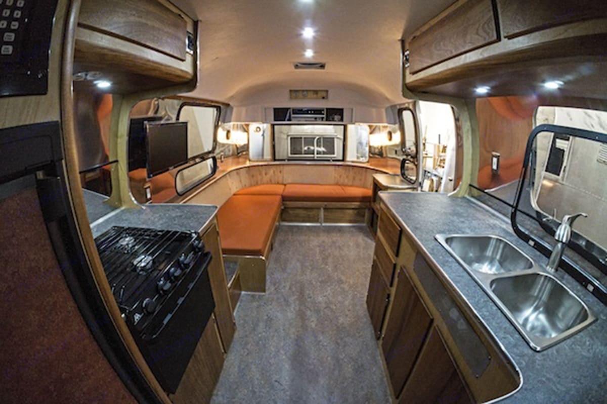 Airstream Overlander 1972