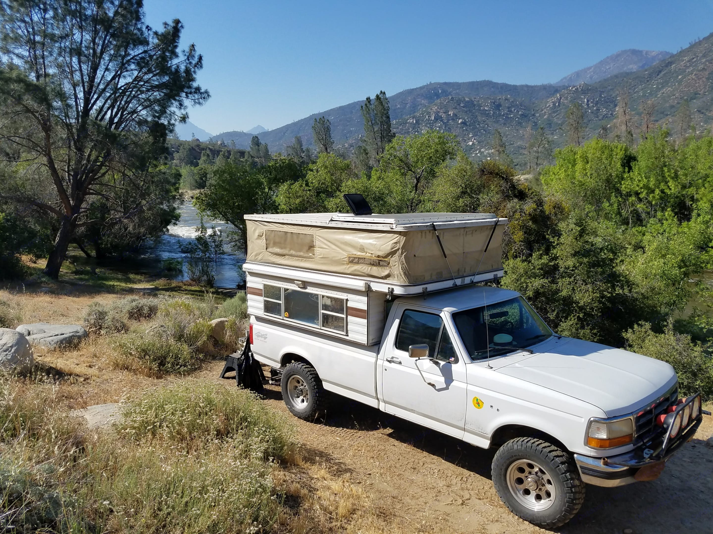 Four Wheel Campers Grandby 1996