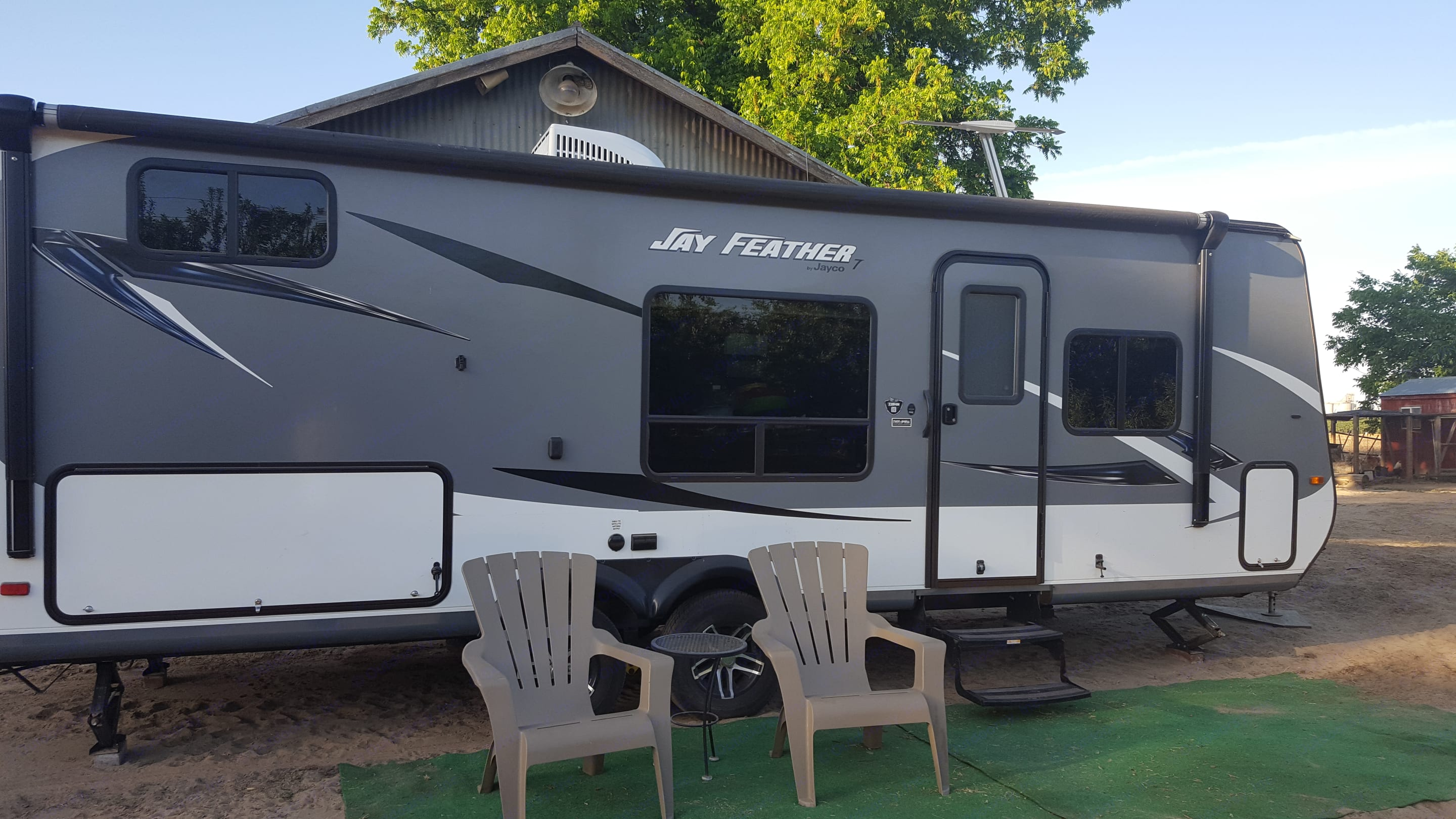Making Memories - and share them with the world in this newer Jay Feather trailer!. Jayco Jay Feather 2016
