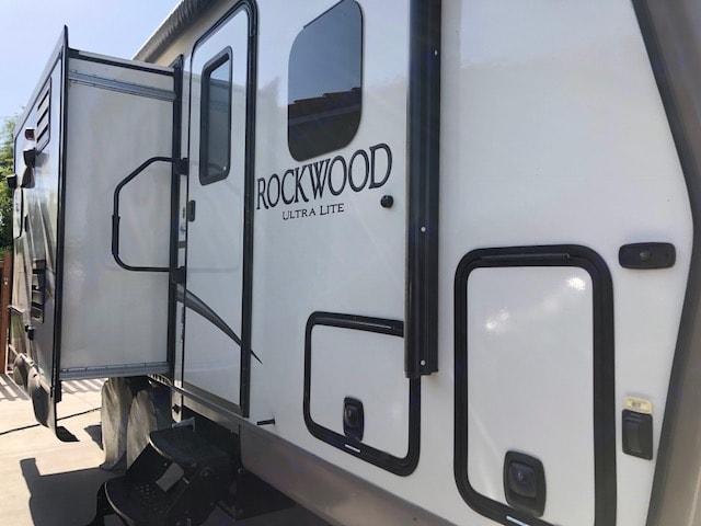 kitchen slider extended, entrance. Forest River Rockwood 2017