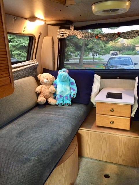 Single beds view. Roadtrek 210 - Popular 2002