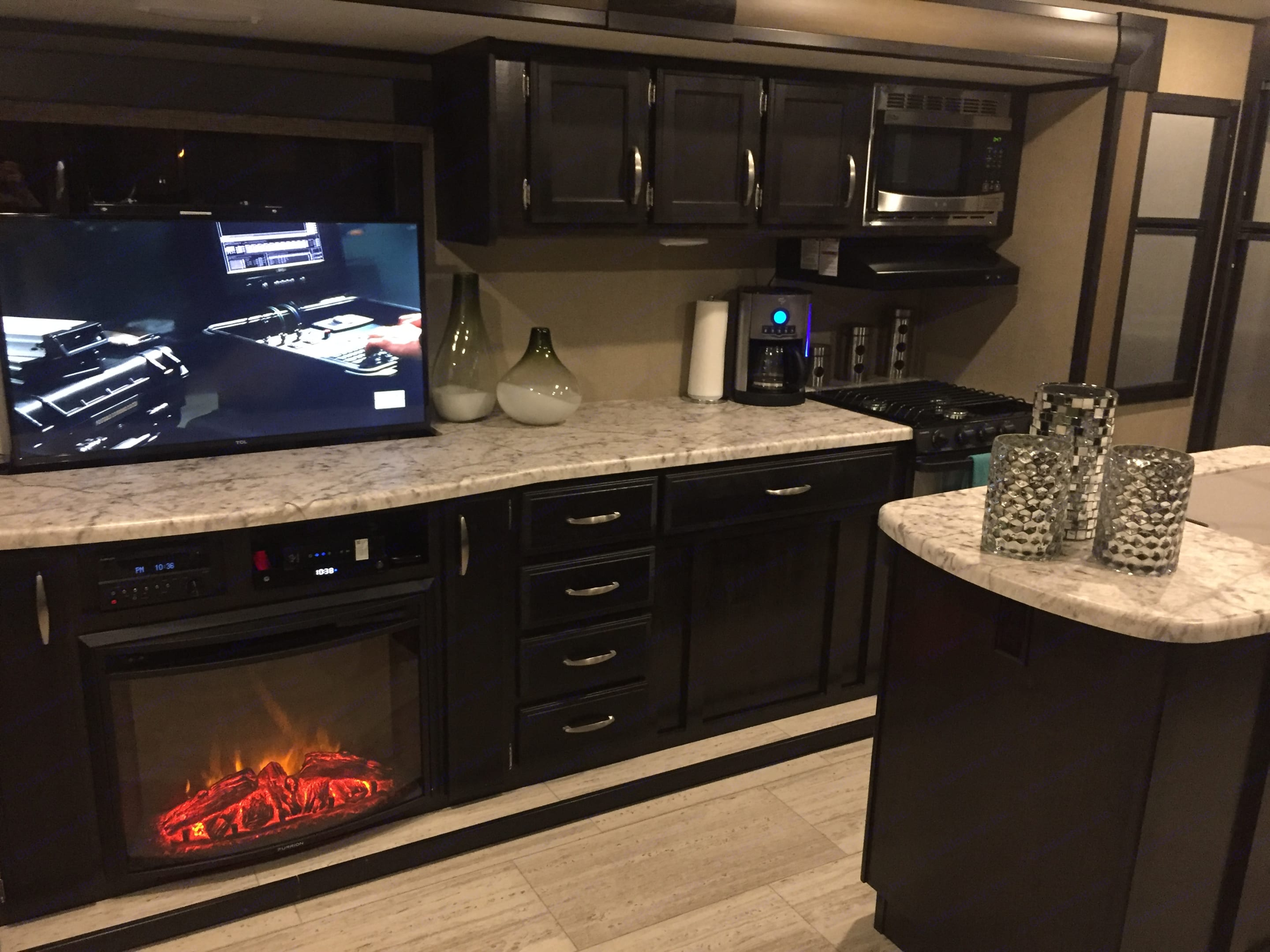 Hide Away TV/Fireplace . Grand Design Other 2018