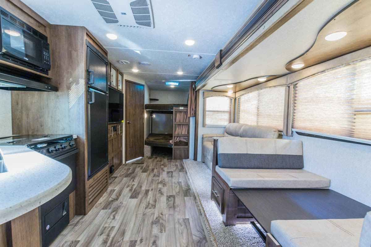 X-Large slide out for spacious interior!. Keystone Cougar Half-Ton 2018