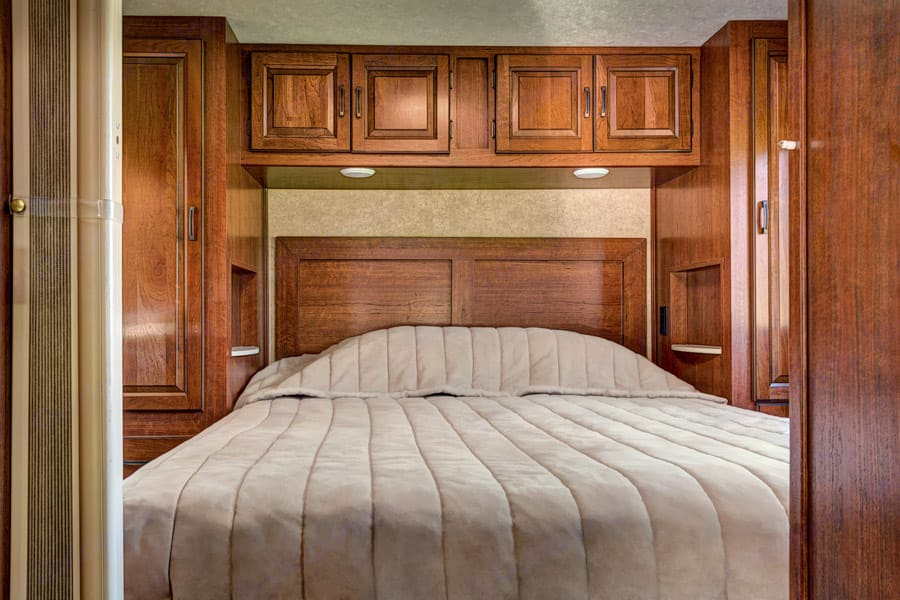 Comfortable memory foam queen bed with lots of storage and privacy.. Forest River Sunseeker 2012