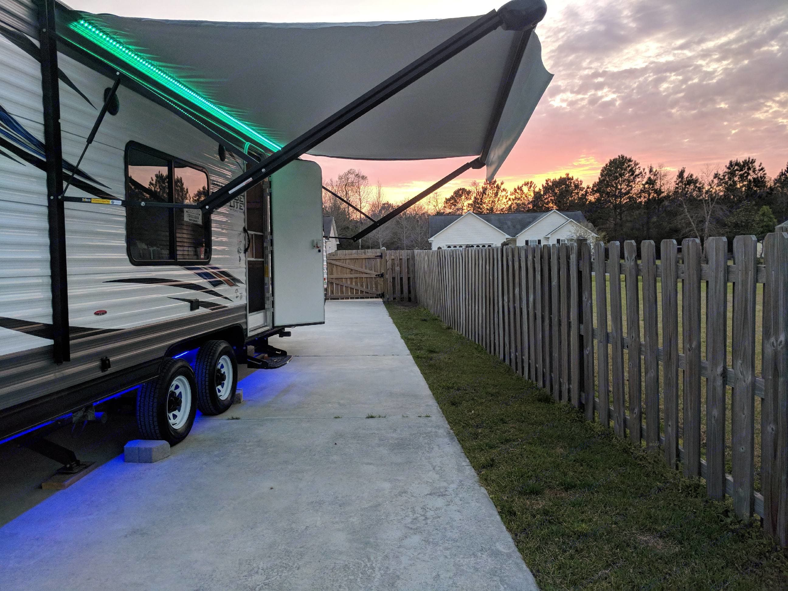 Electric awning to provide a little protection from the  elements.. Forest River Salem Cruise Lite 2018