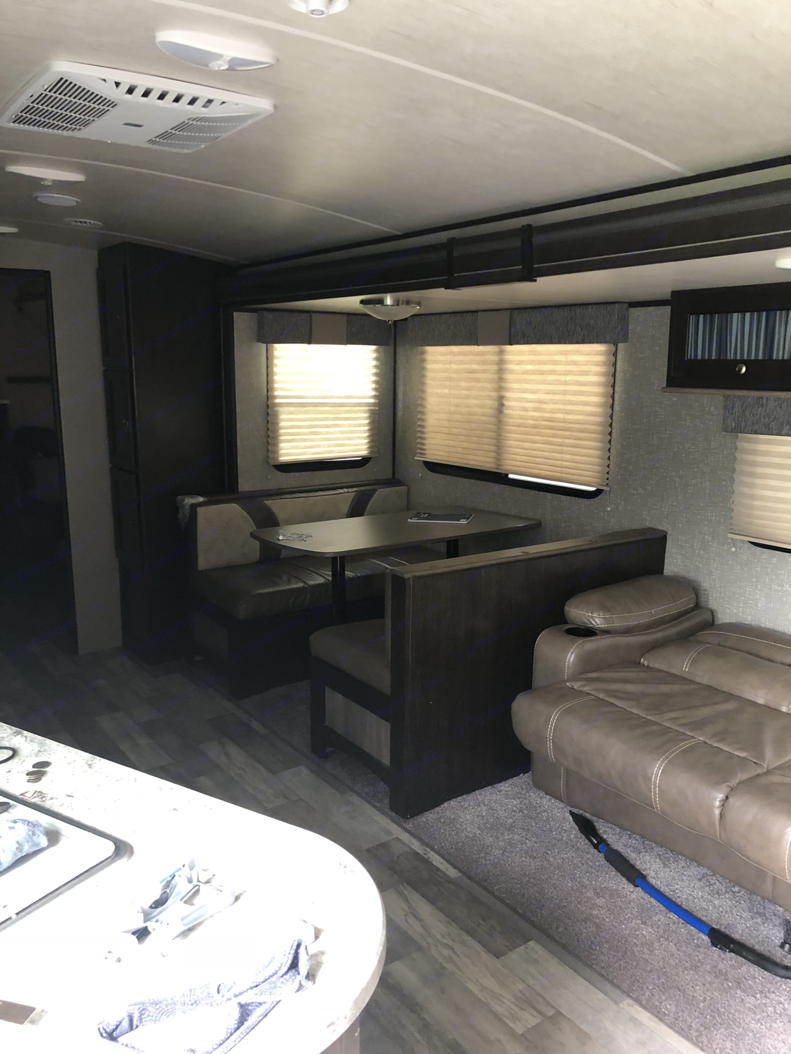 Eating area in slide out.. Cruiser Rv Corp Cruiser 2017