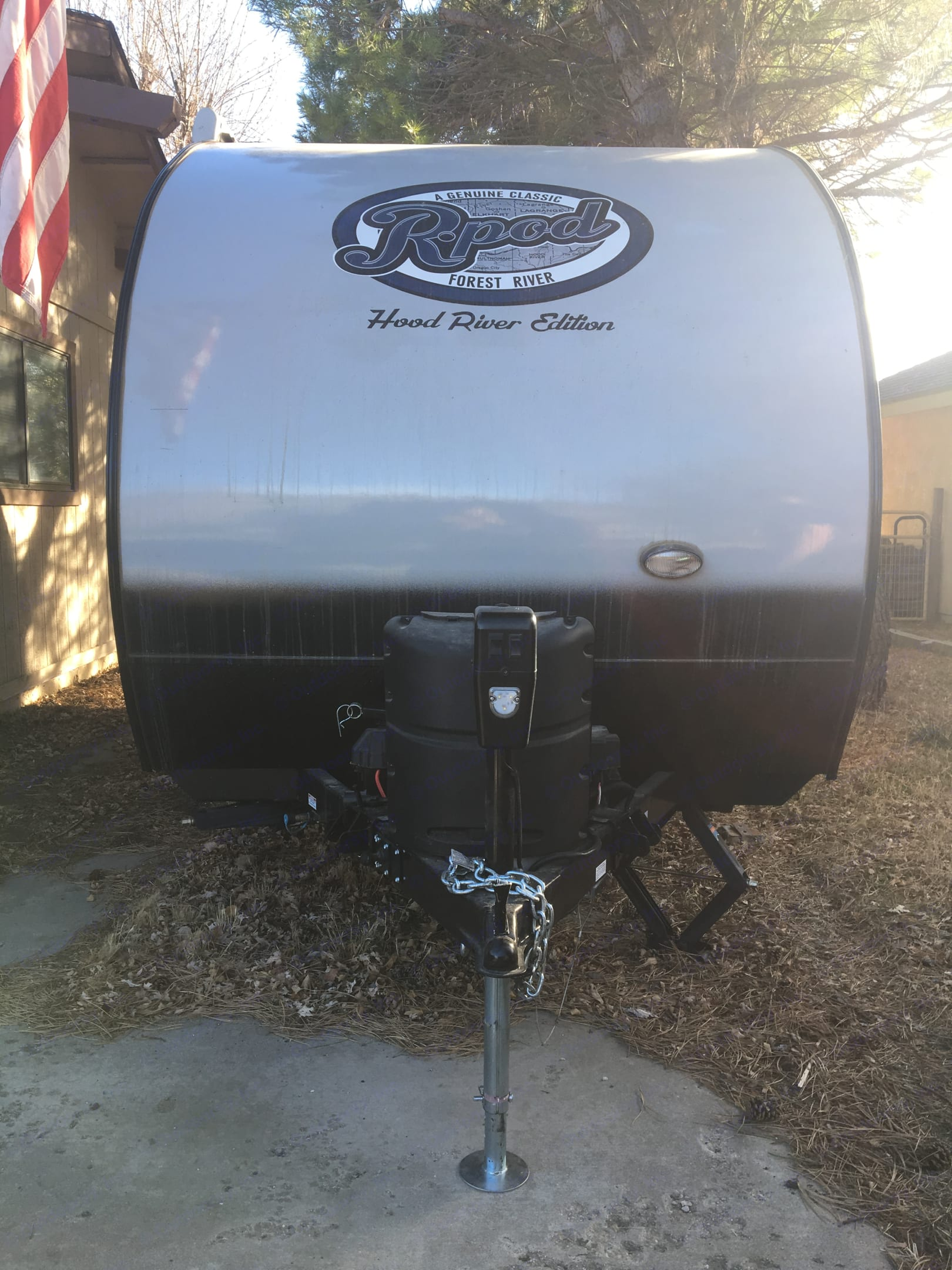 5lb Propane tank, Dual deep cycle batteries and exterior light.. Forest River R-Pod 2017