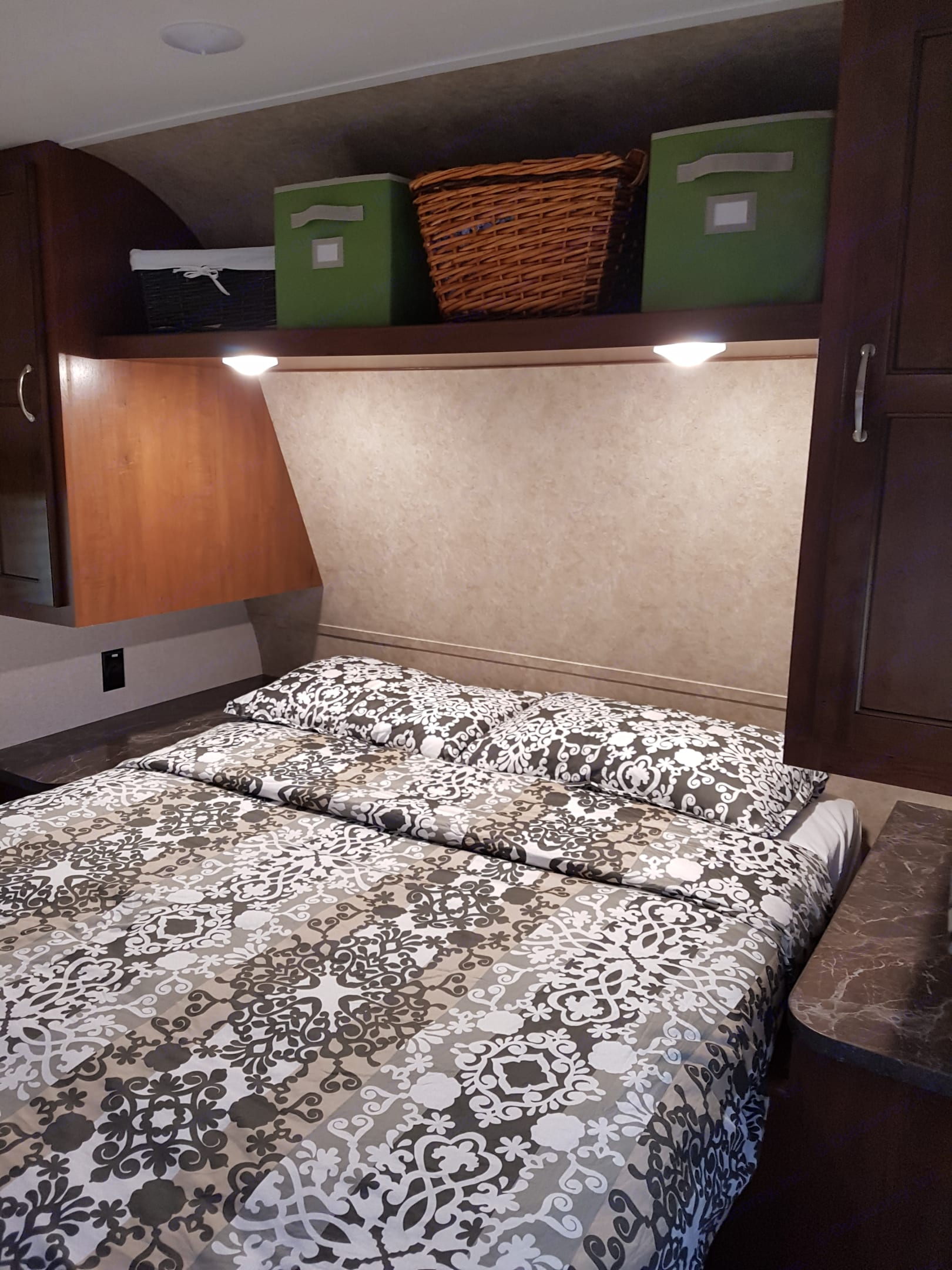 Bedroom with queen size bed. Jayco Jay Flight Swift 2017