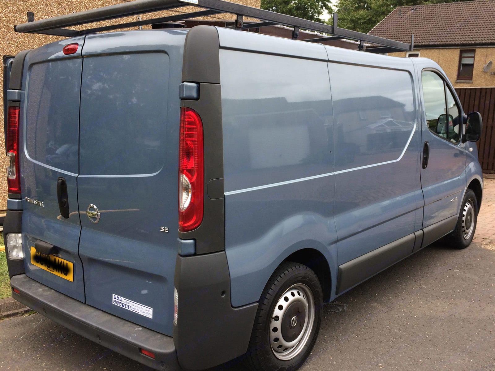 Rear parking sensors to aid reversing.. Nissan Primastar 2010