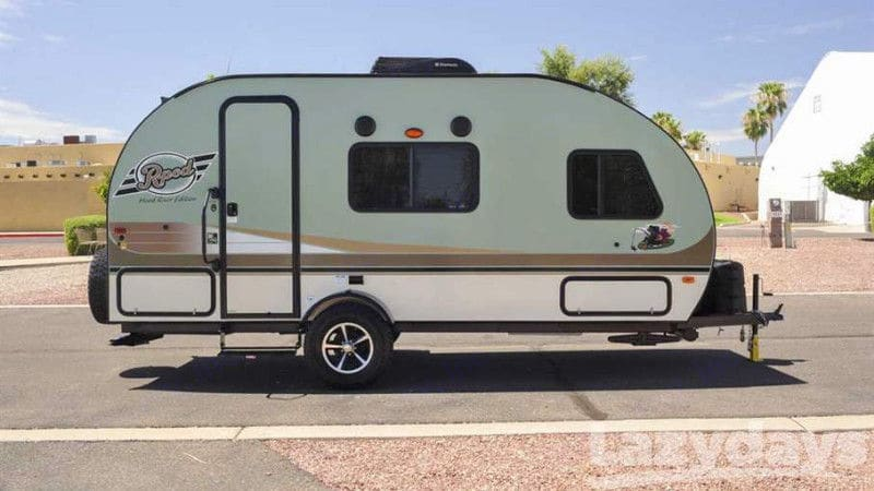 Enjoy an easy to tow & set up retro styling R-Pod! Your adventure awaits!. Forest River R-Pod 2017