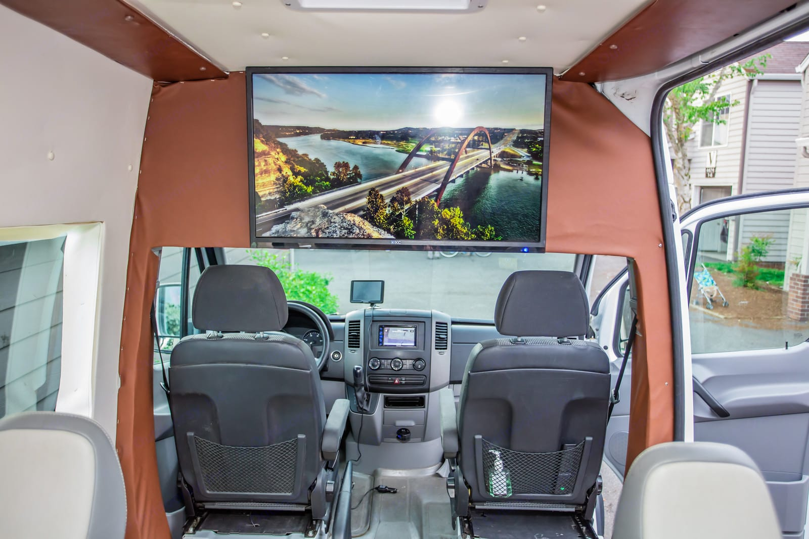 """43"""" 4K LED TV with YouTube/Netflix and BluRay Player. . Mercedes-Benz Sprinter 2010"""