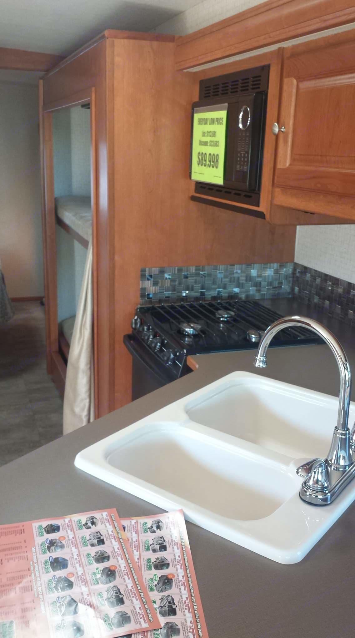 Kitchen. Winnebago Vista 2016