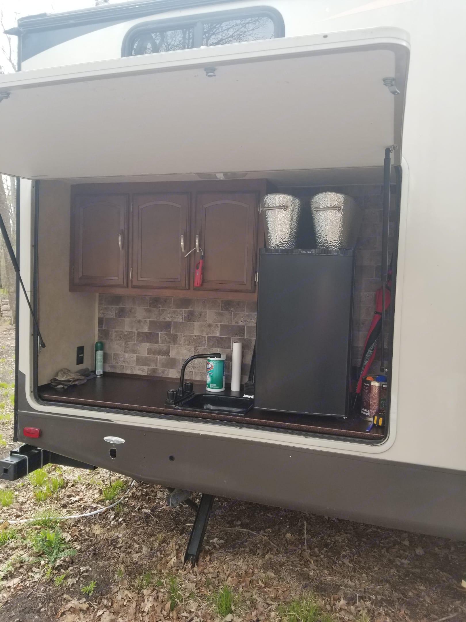 TVs. Kitchen. Forest River Salem Hemisphere 2016