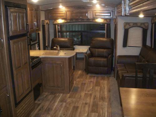 Kitchen and living room . Keystone Laredo 2017