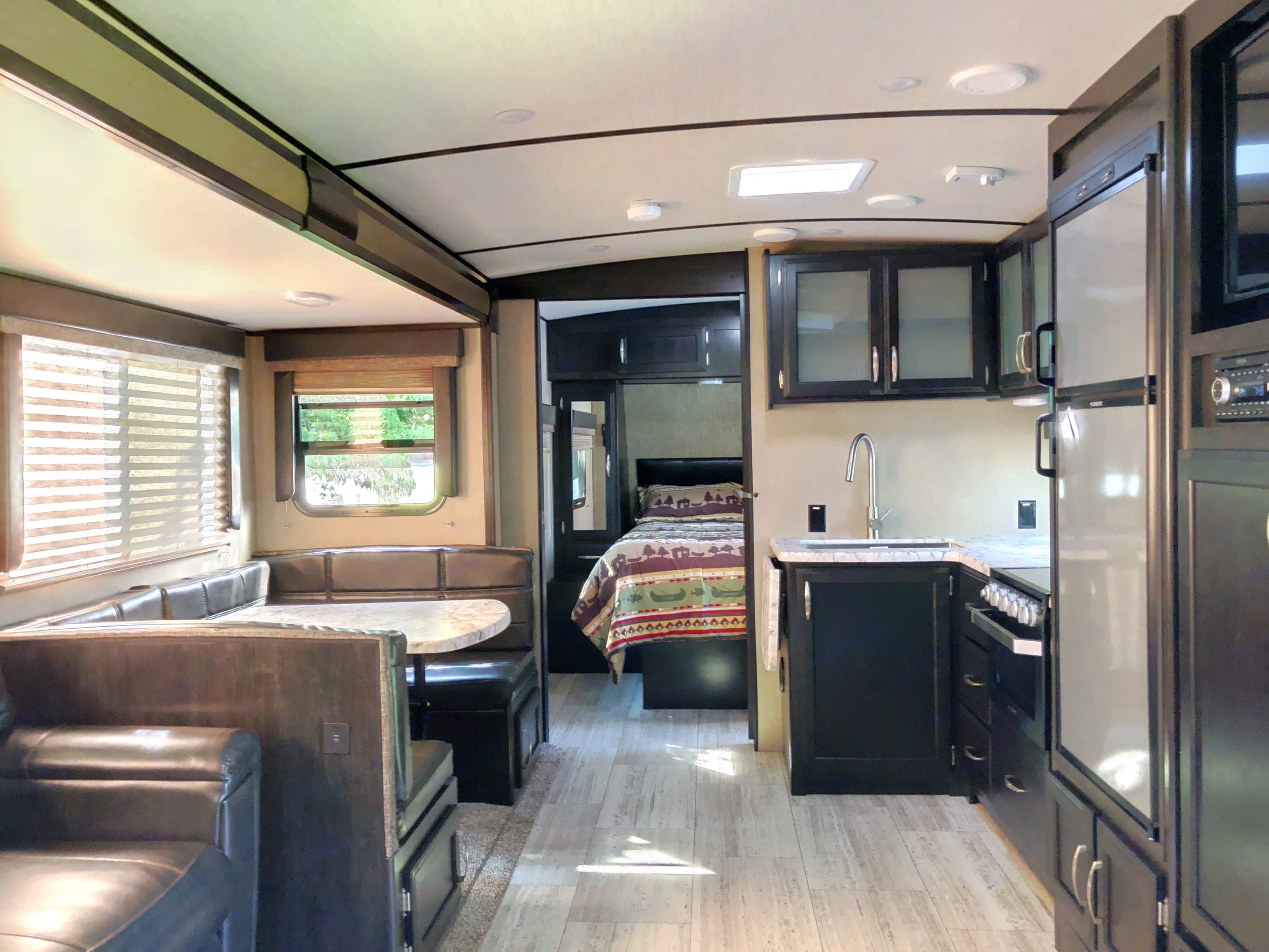 Plenty of room and counter space for feeding the whole clan. Grand Design 2800BH 2018