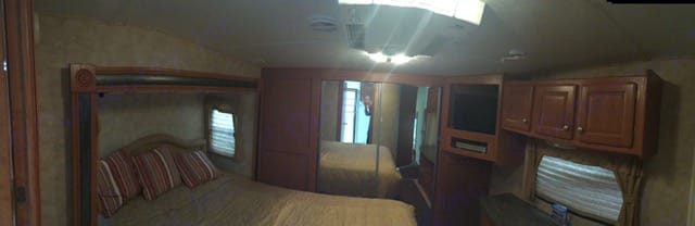 Master bedroom. Forest River Other 2009