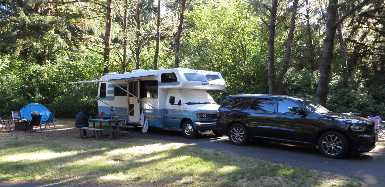 Camping on the Oregon Coast. awning deployed with camp all setup. Durango not included!. Lazy Daze 26.5 2003