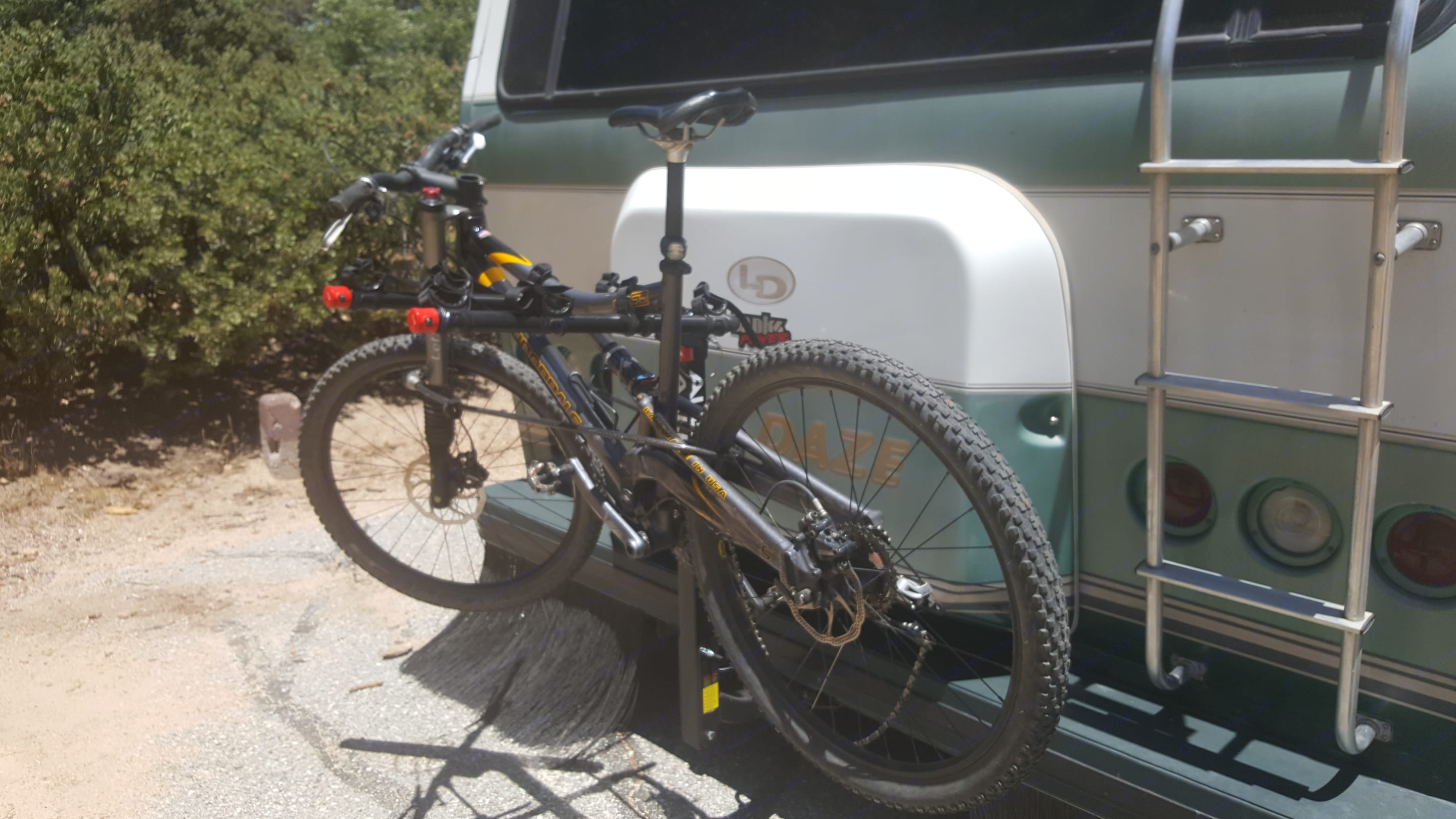 Four bike rack available on request.. Lazy Daze 26.5 2000