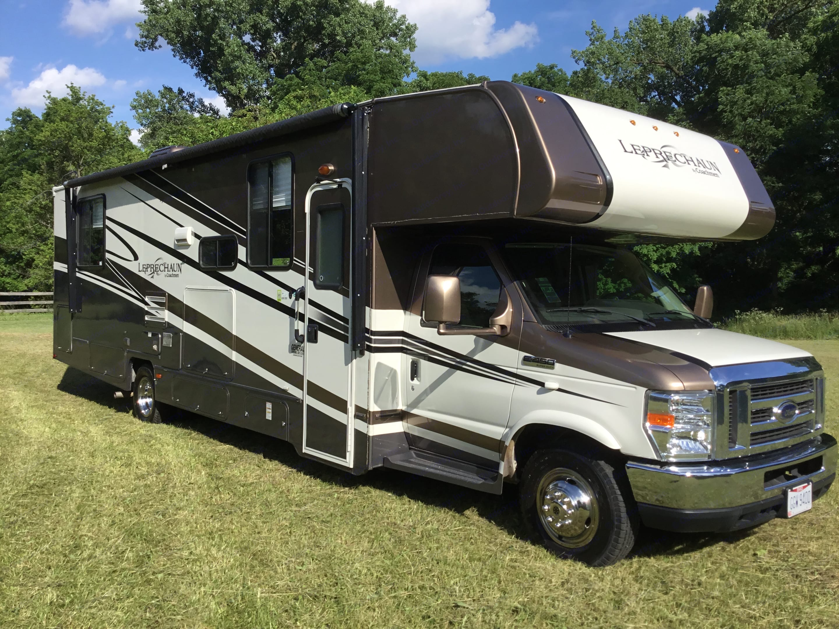 She's ready to roll, big gas powered v10 rides real smooth.. Coachmen Leprechaun 2013